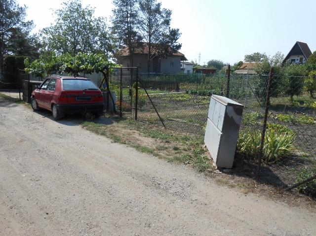 2 parkovací místa a rozvaděč