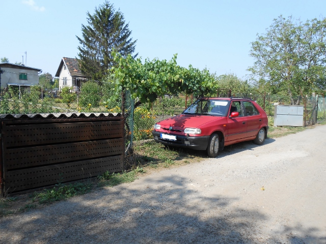 2 parkovací místa apřístřešek