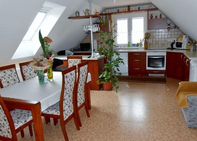 Obývací kuchyně 2. NP