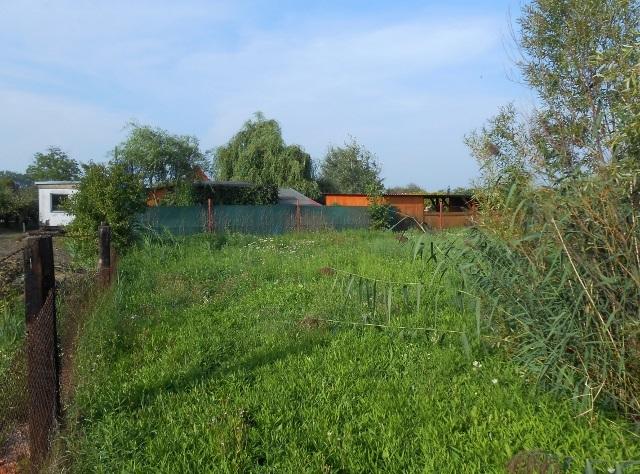Levý kraj zahrady