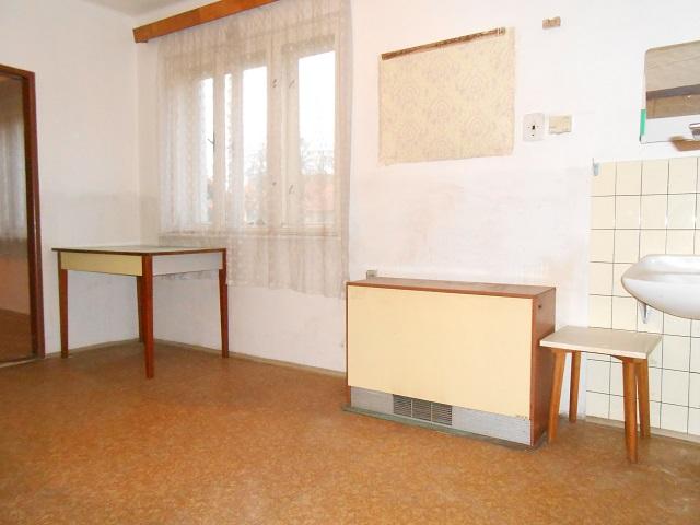 Kuchyně pohled od vchodu