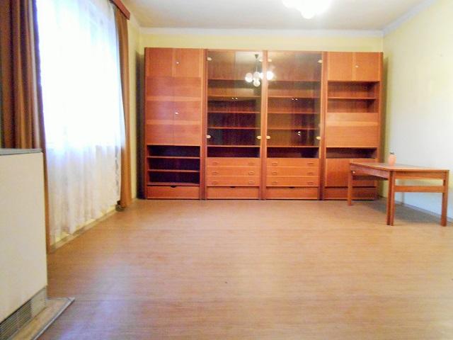 2. pokoj doulice (obývák)