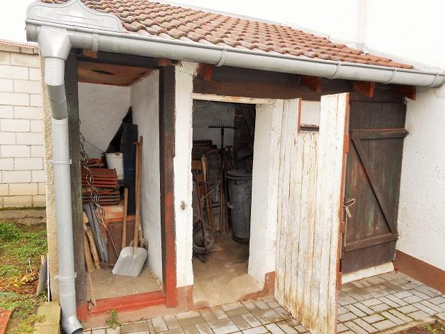 Kůlna s novou střechou
