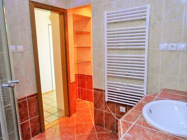 Koupelna s WC, prostor