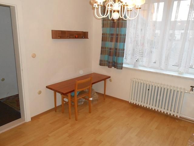Pokoj 1 pohled ke dveřím