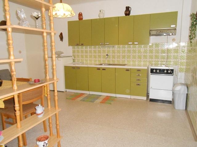 Kuchyně pohled z chodby