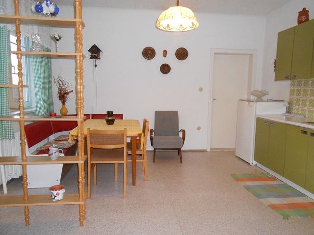 Kuchyně pohled z pokoje