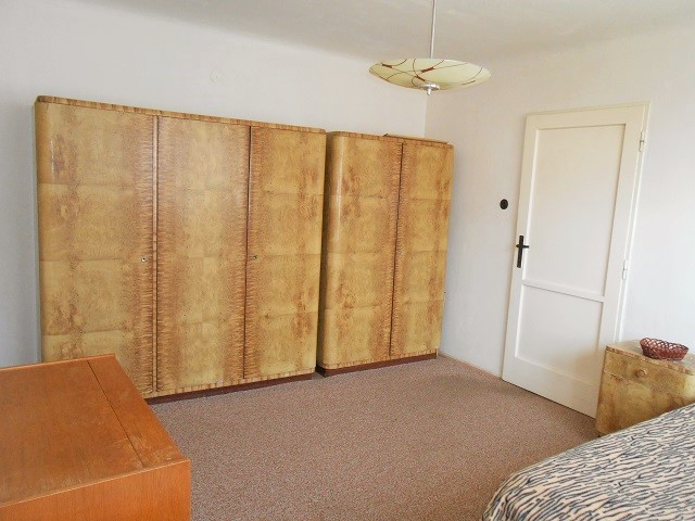 Ložnice, pohled ke dveřím