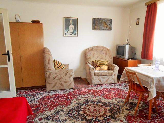 Obývací pokoj od ložnice