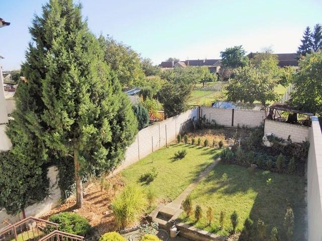 Zahrada, pohled zbalkonu