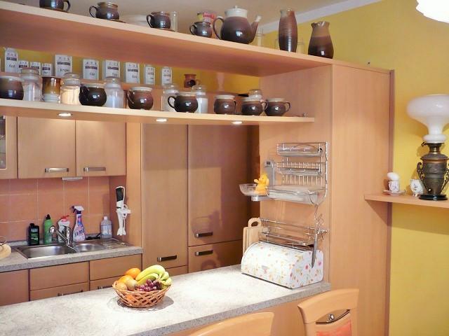 Kuchyně, bar a linka