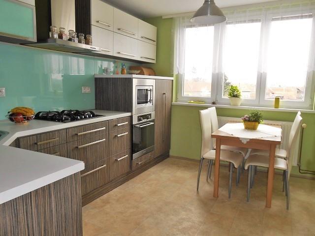 Kuchyně, pohled od vstupu