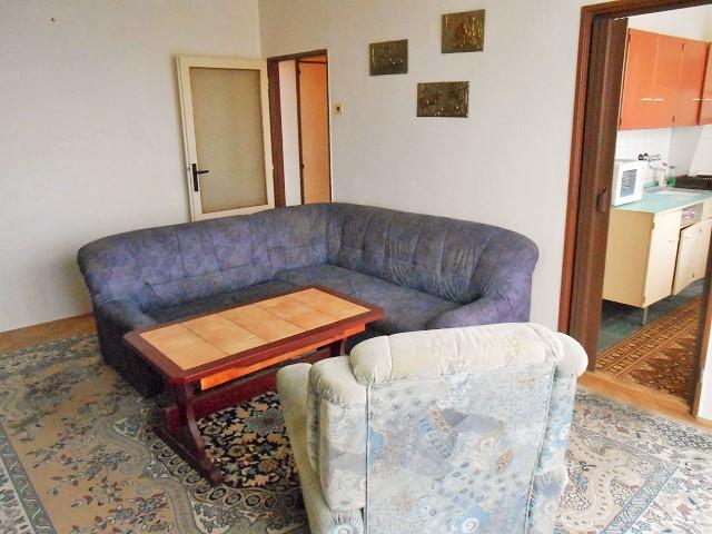 Obývák, pohled od okna