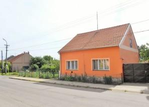 Prodej rodinného domu 2+1, Novosedly