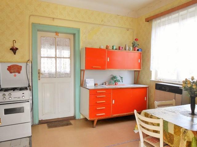 Kuchyně, pohled od verandy
