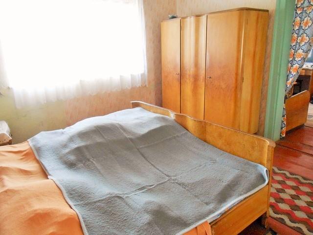 Pokoj 2, pohled k oknu