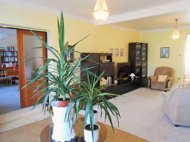 Obývací pokoj, pohled k pokoji 2