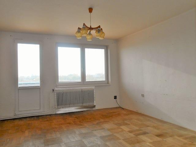 Pokoj 3, pohled k oknu