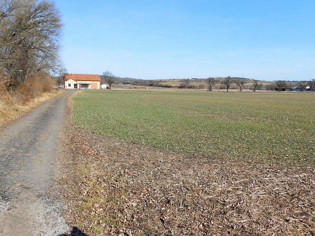 Pozemek zezadu, levá část