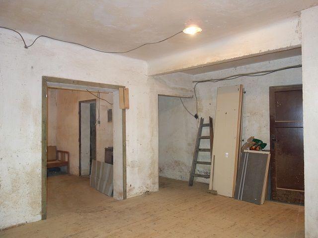 Přední místnost, pohled ke vstupu