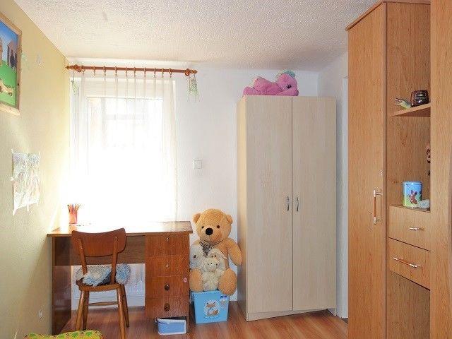 Dětský pokoj 2, pohled k oknu