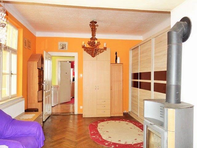 Obývací pokoj, přední část