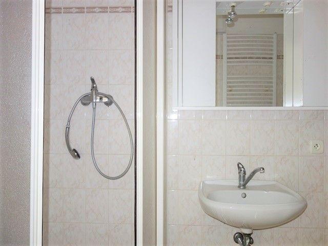 Sprchový kout aumyvadlo
