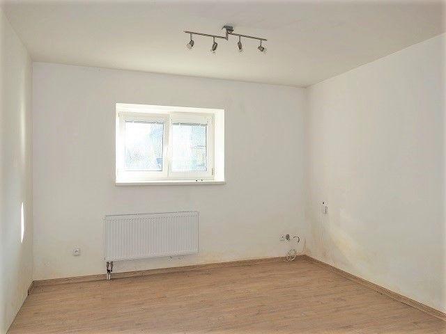 1. pokoj, pohled od kuchyně