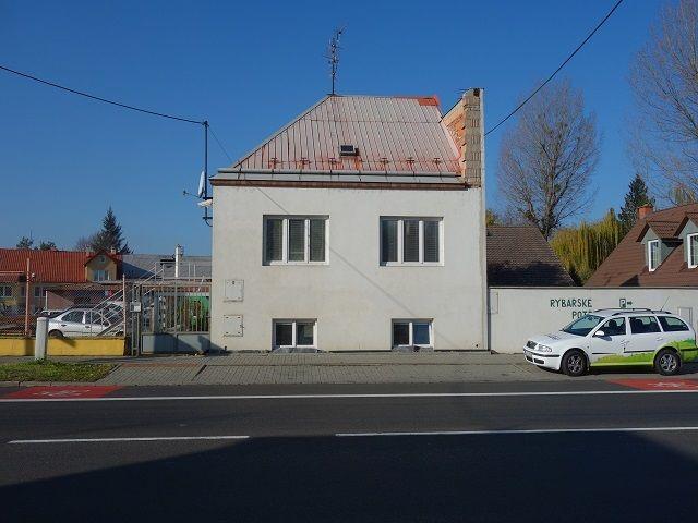 Dům, pohled zepředu