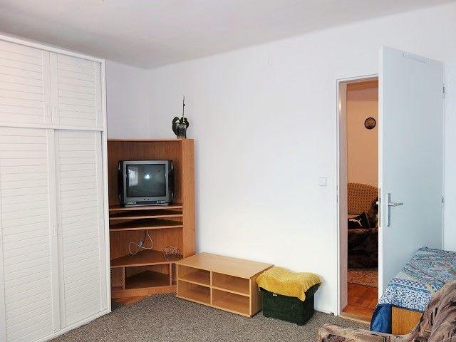 1. ložnice, pohled ke vstupu