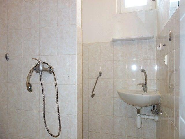 Koupelna stoaletou v1. patře