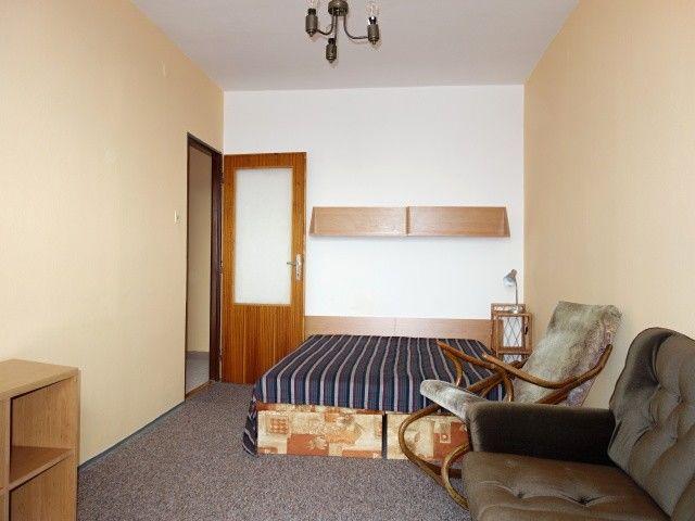1. pokoj ve 2. patře od balkonu