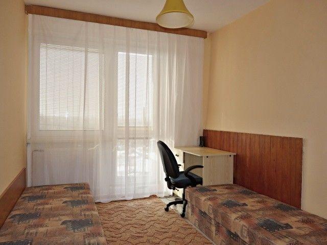 2. pokoj ve 2. patře k balkonu
