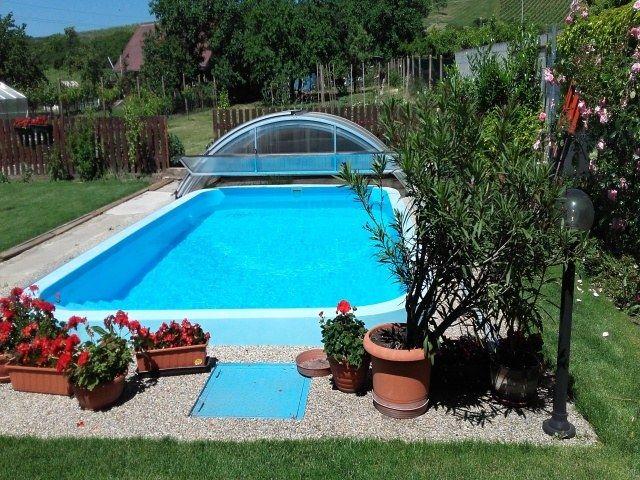 Bazén ve dvoře 28 m³