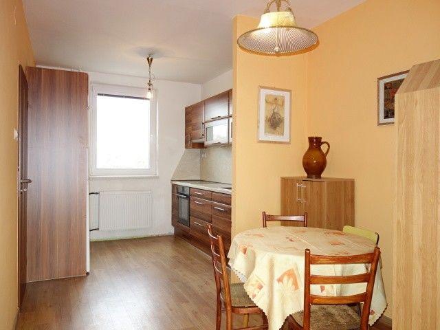 Jídelna s kuchyní v 1. patře