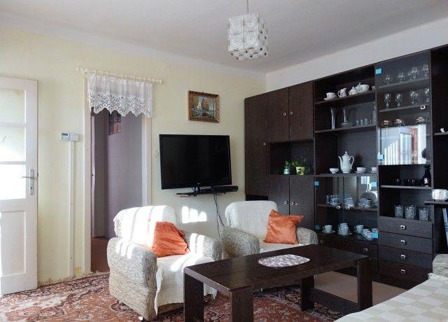 Obývák, pohled od 2. pokoje