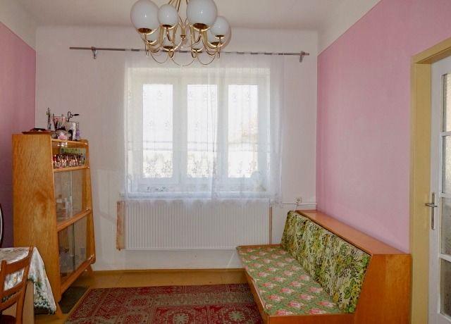 Průchozí pokoj v 1. patře