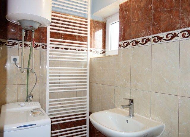 Koupelna, levá část