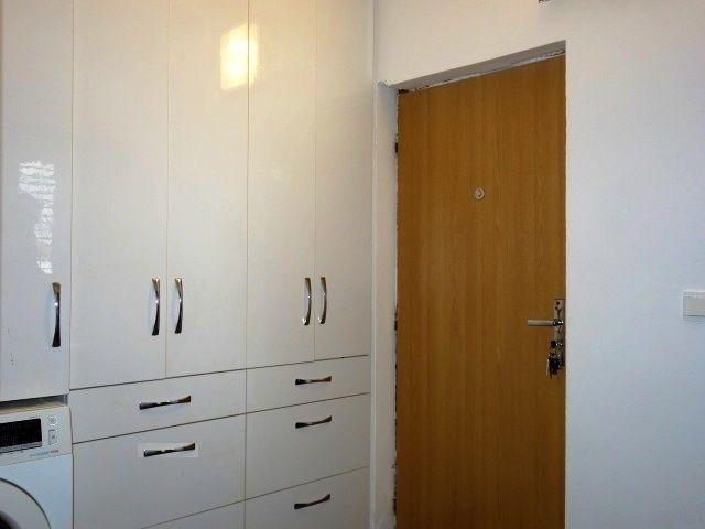 Předsíň avstupní dveře bytu