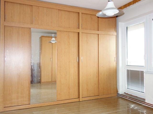 Vestavné skříně ve 3. pokoji ve 2.NP