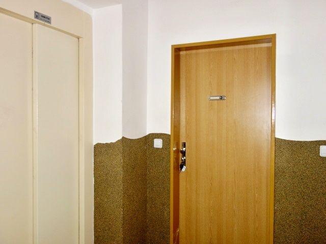 Vchodové dveře bytu avýtah