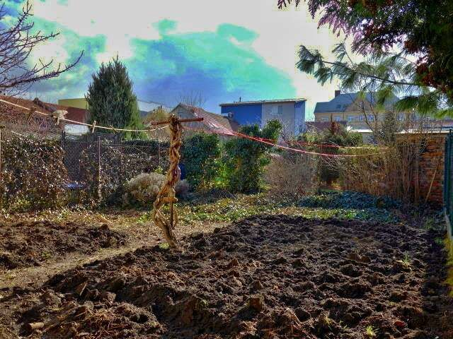 Zahrada, pravá část