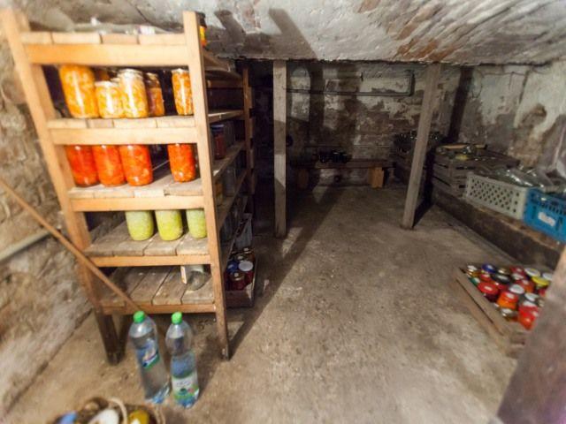 Sklep pod kuchyní