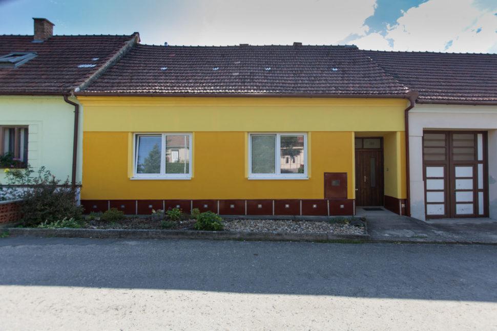 Dům, čelní pohled